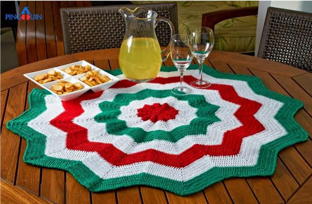 toalha nas cores do natal em croche com receita