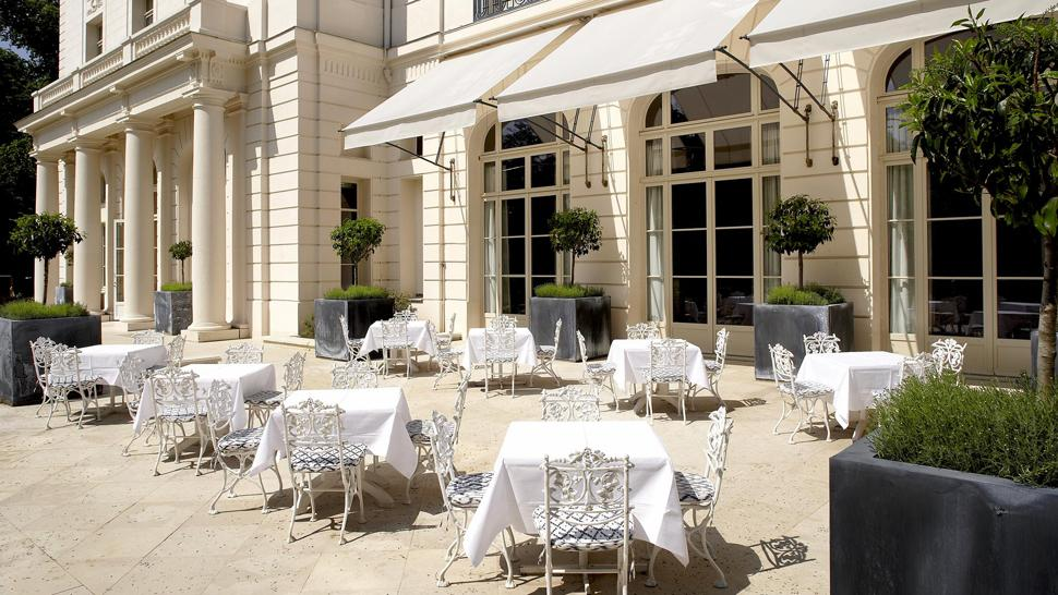 World visits trianon palace versailles famous for grand architecture in france - Hotel trianon versailles ...