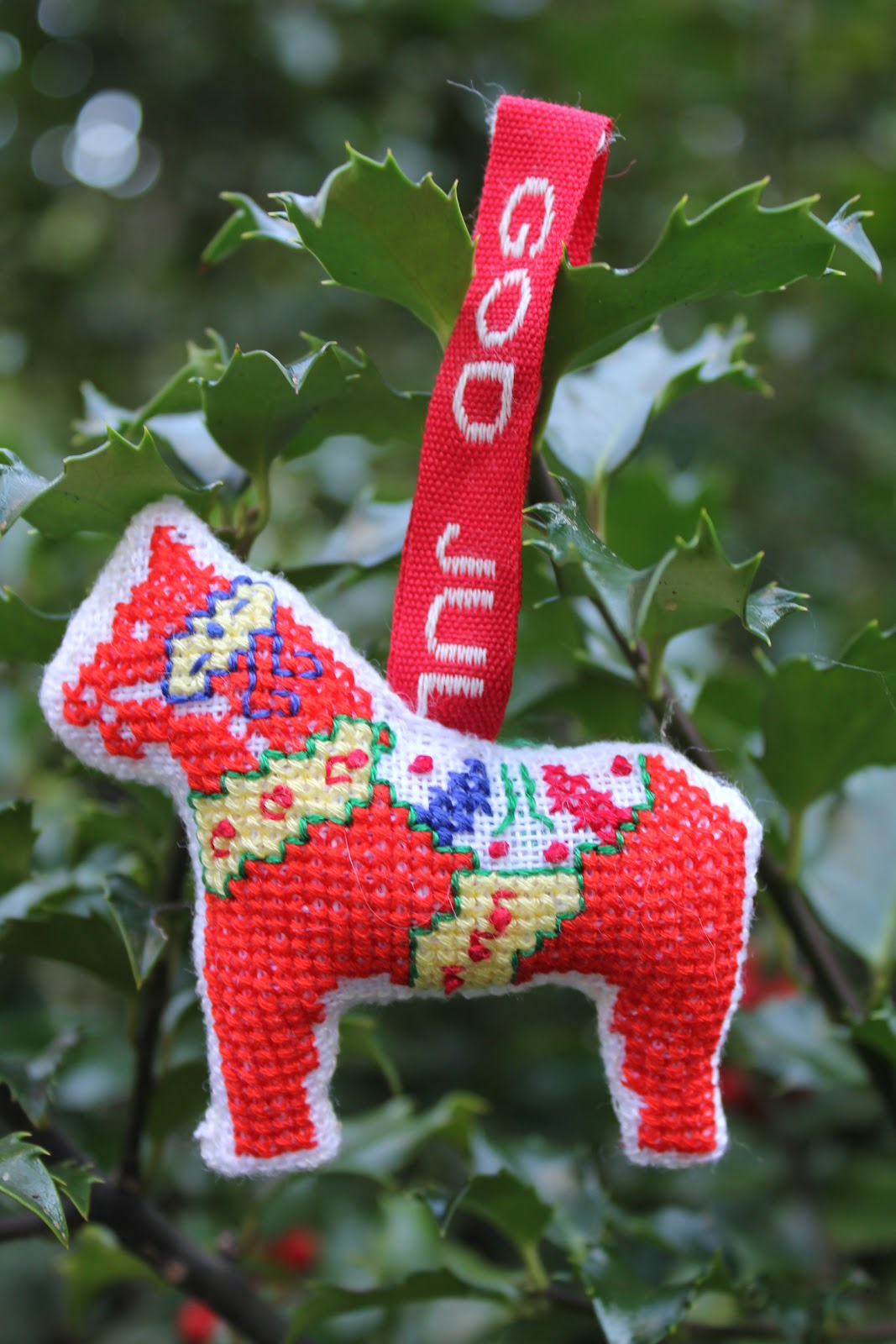 Rose christmas ornament - It Hardly Seems Possible That We Could Already Be Stitching The Annual Christmas Ornament But That Was The Program For November The Ornament Was Dalahorse