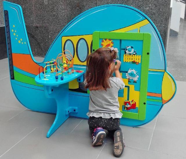 Entretenimiento para los niños en el Aeropuerto de Pulkovo
