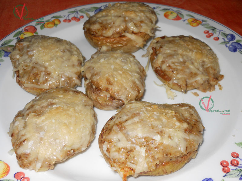 Vegetal y tal patatas al horno y rellenas - Patatas pequenas al horno ...