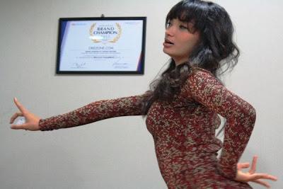 Download Video Goyang Itik Zaskia - Satu Jam Saja