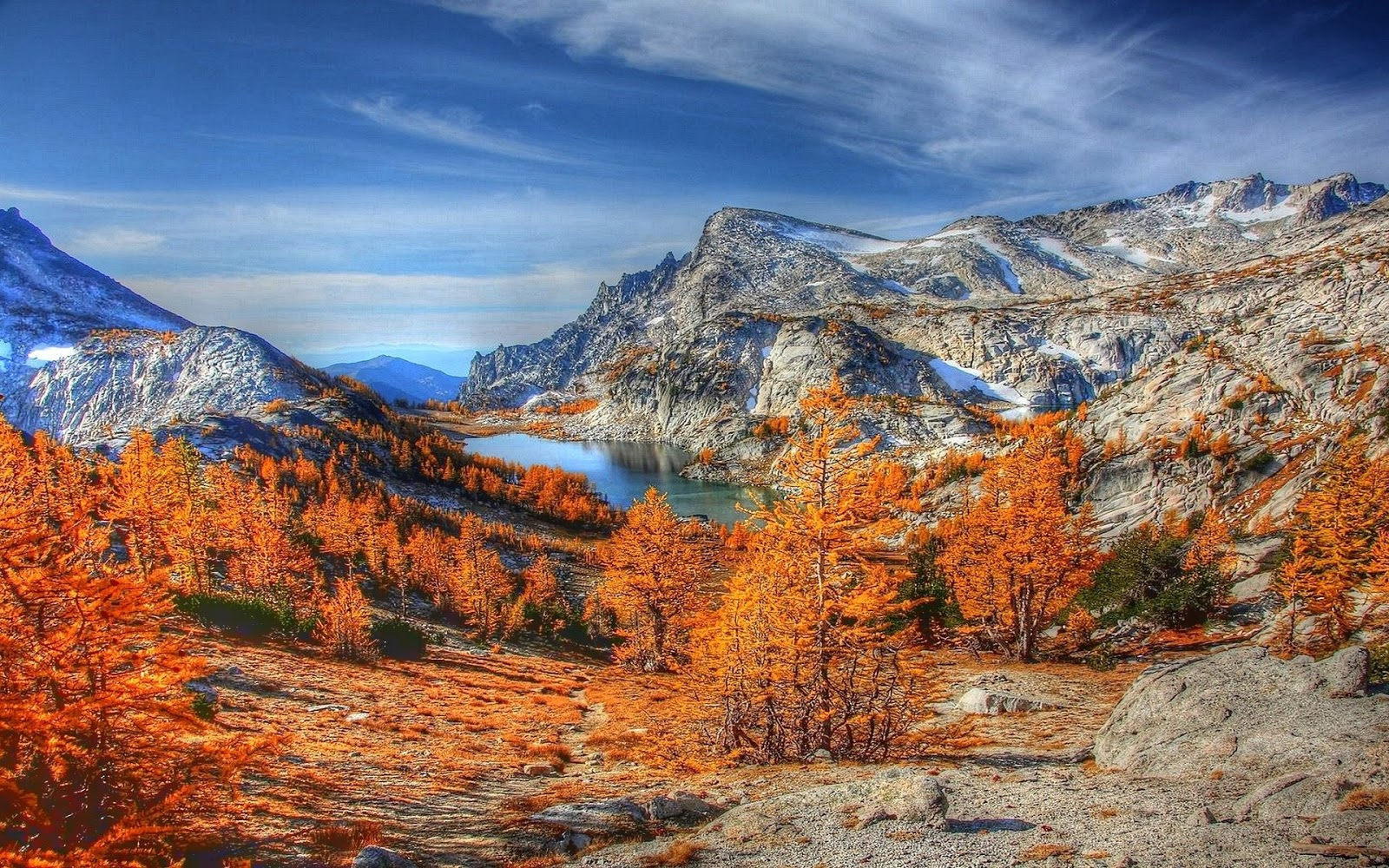 http://1.bp.blogspot.com/--CHFUyWEbkY/T47EBC2zd9I/AAAAAAAADTE/7MZqOoLLmys/s1600/hdr-mountain-fall-colors-windows-8-wallpaper-1920x1200.jpg