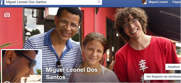Seja meu amigo no Facebook? Be my friend on Facebook?