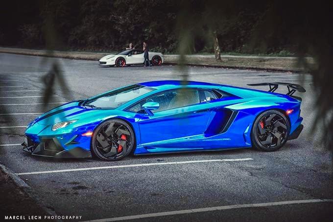 Lamborghini Aventador Azul