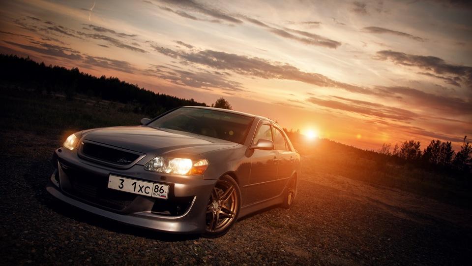 Toyota Mark II X110, japoński usportowiony sedan, napęd na tył, 1JZ-GTE, 2JZ-GE, RWD, tylko na rynek japoński, JDM, driftowóz, popularny, tuning, zdjęcia