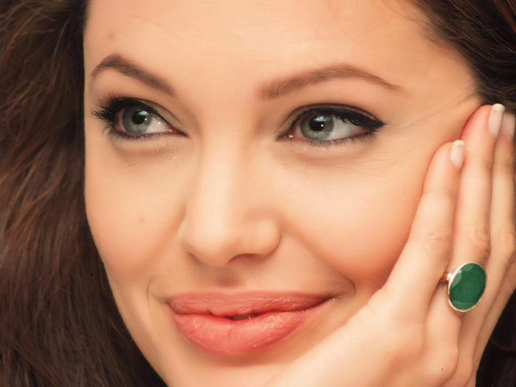 angelina, angelina jolie biography