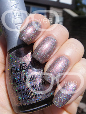 Holographic Taupe
