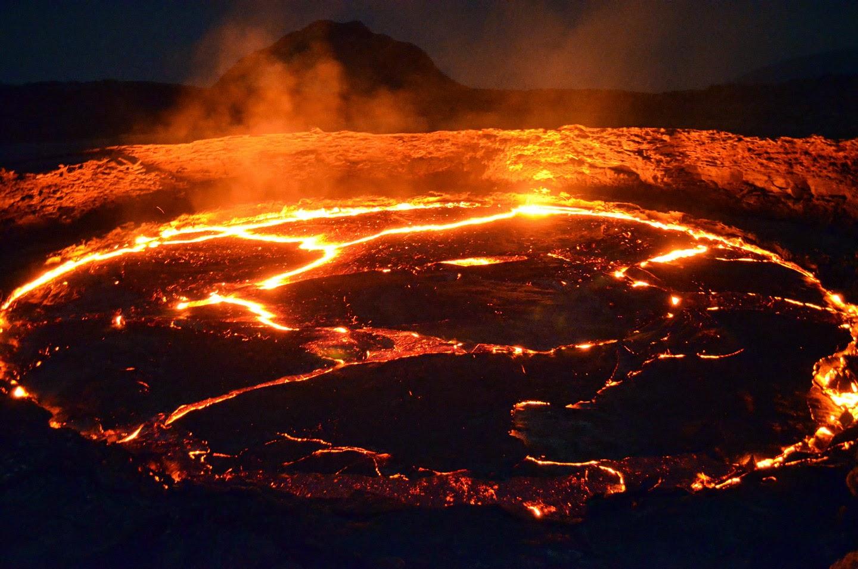 Lago di lava - Storie di Scienza di Giovanni Boaga