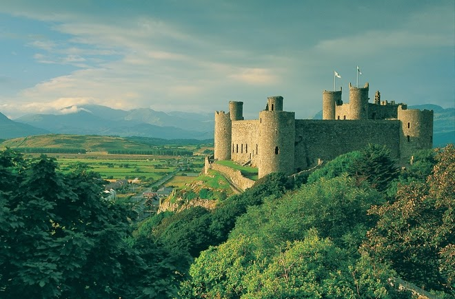 Snowdonia's historical past is long as well as, most visitors concur, pretty interesting. From prehistoric interests to 20th millennium statesmanship