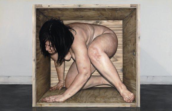 Chelsey Tyler Wood pinturas hiper realistas pessoas nuas em caixotes