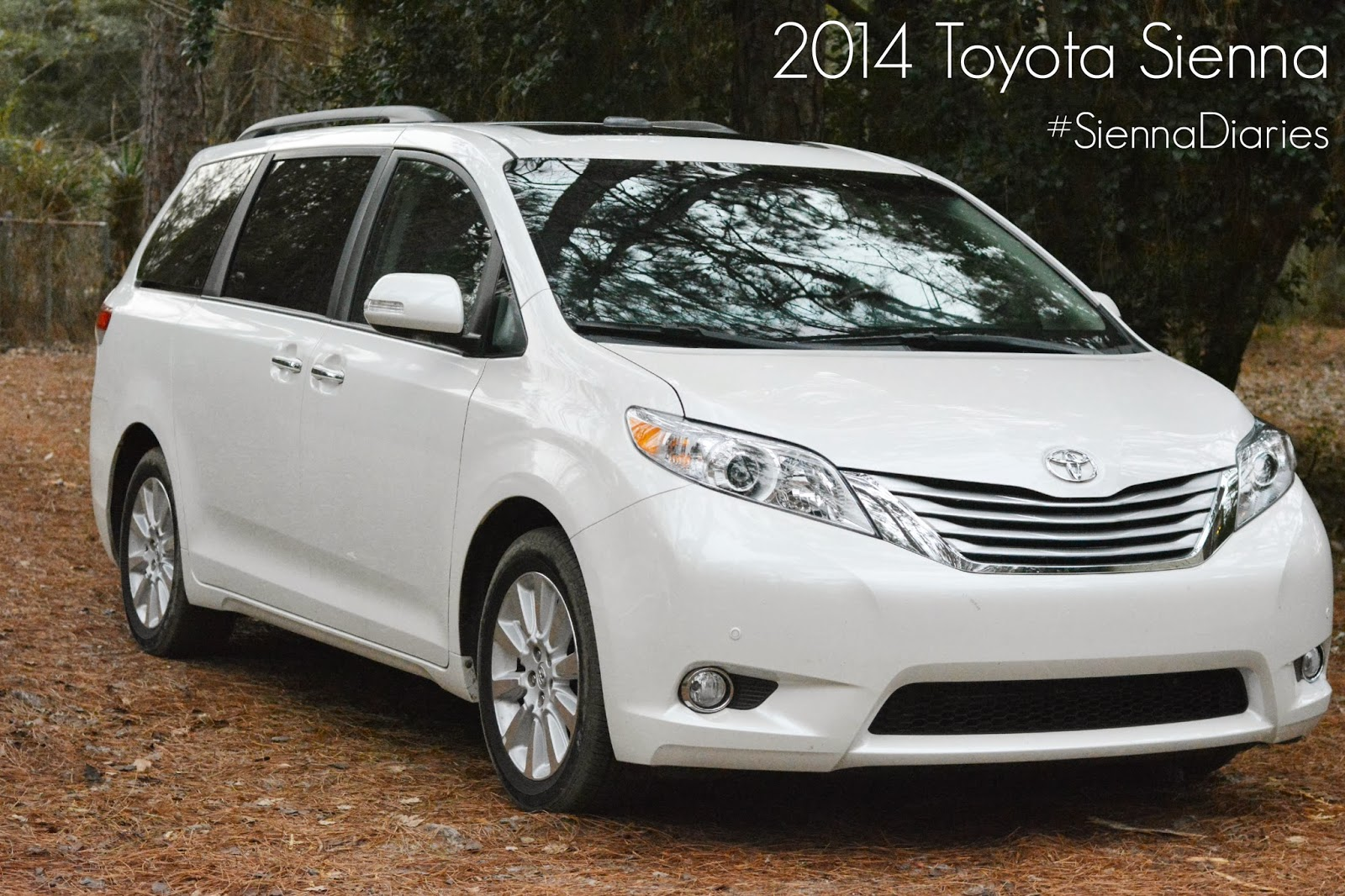 life with 4 boys 2014 toyota sienna it 39 s like a couch on wheels siennadiaries. Black Bedroom Furniture Sets. Home Design Ideas