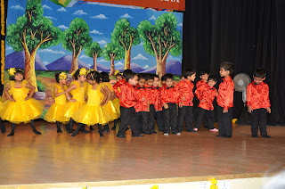 group dance in mapple bear annual day function