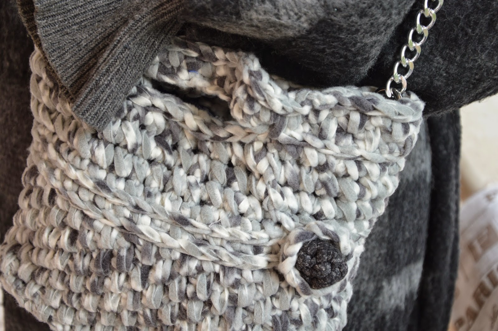 Borsa Pile melange grigio perla con fondo grigio scuro