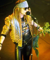 mom don't worry , I'm with Axl again ♥