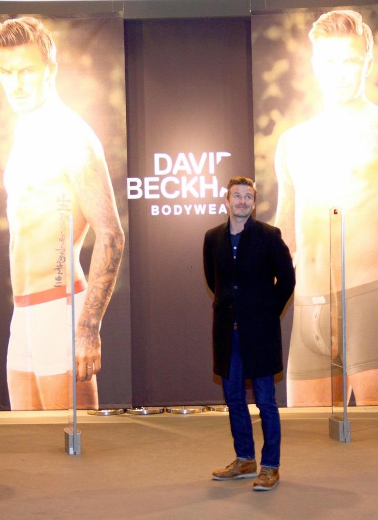 supongo estilo david beckham h m promotion in berlin. Black Bedroom Furniture Sets. Home Design Ideas