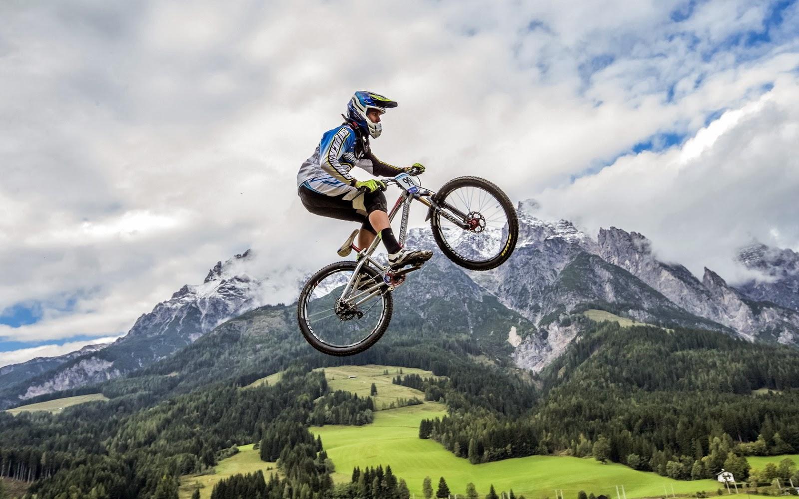 Fotos de corredor de bicicleta ~ Banco de Fotos Profesionales