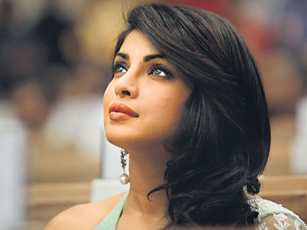 http://1.bp.blogspot.com/--DuI7qaFIM0/TiR3YpDrWJI/AAAAAAAAETg/e65O6nGO6rU/s1600/Wishing+Priyanka+Chopra+A+Very+Happy+Birthday+-+Turns+29.jpg