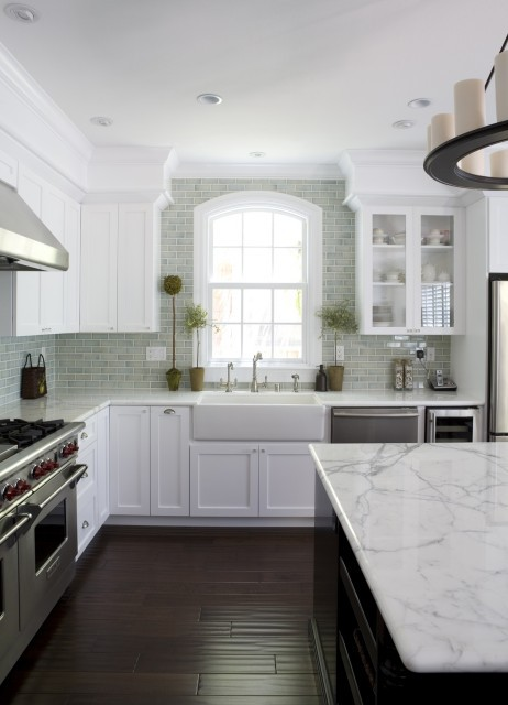 Kitchen Inspiration Month: Day Seven   Carrara Marble Backsplash