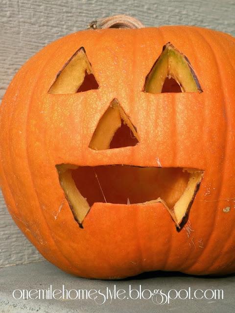 Vampire inspired jack-o-lantern