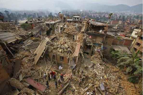 http://www.spiegel.de/panorama/gesellschaft/erdbeben-in-nepal-internationale-helfer-haben-grosse-probleme-a-1030797.html