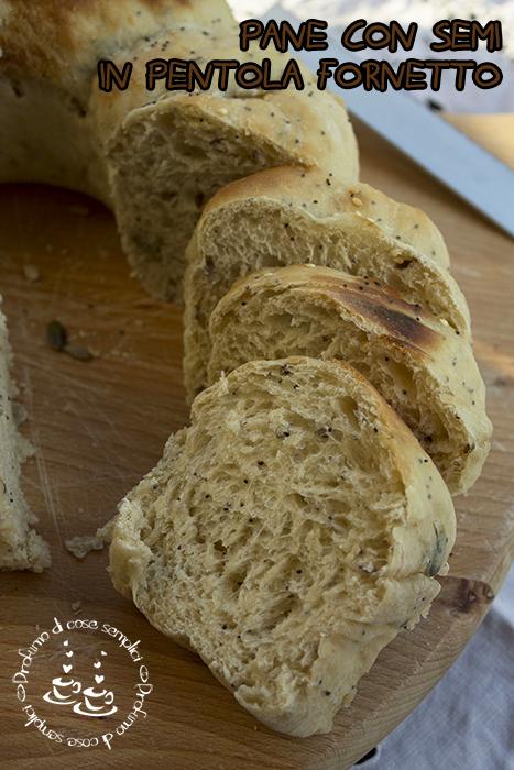 pane integrale con semi e miele, in pentola fornetto