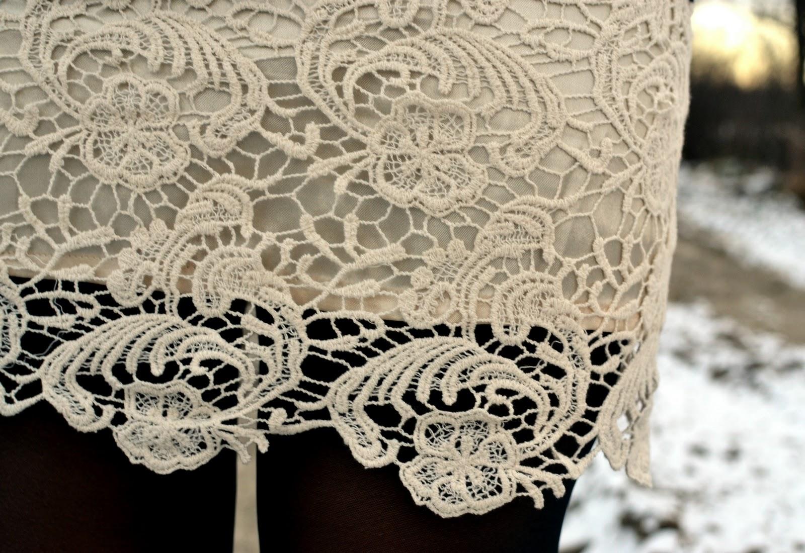 http://1.bp.blogspot.com/--ELKU0F8ZOI/TvE40tPxogI/AAAAAAAABV0/IJRveZHIQ34/s1600/winter+white+lace+skirt.jpg