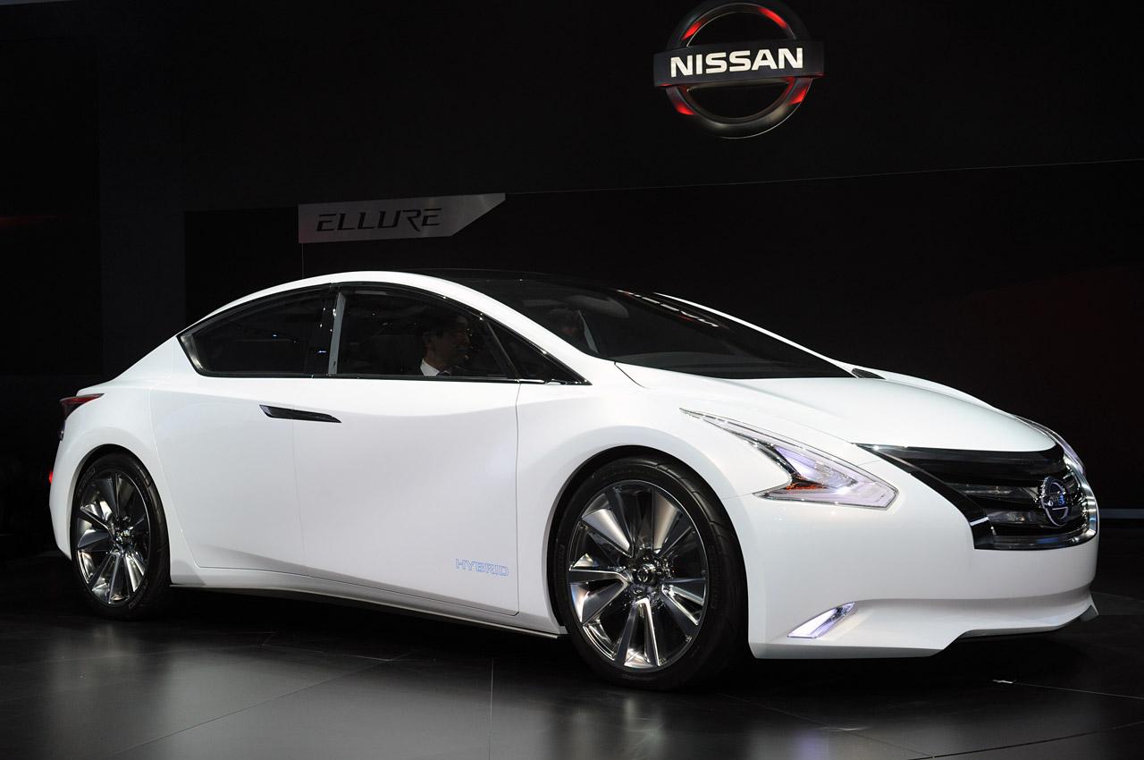http://1.bp.blogspot.com/--EMrshqVvfM/T-7T0Arn0bI/AAAAAAAAAEg/515Z_Zf5E7Y/s1600/2012-Nissan-Altima-2.jpg