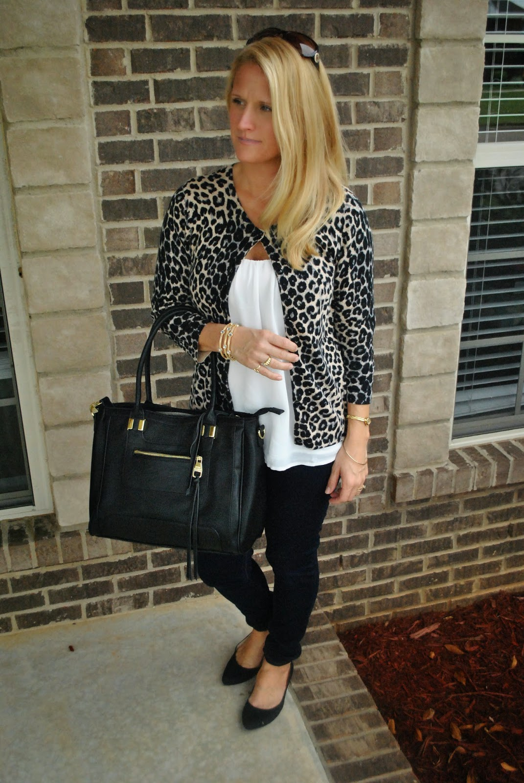 Leopard CArdi/Dark Skinnies/Structured Tote/Oversized Blouse