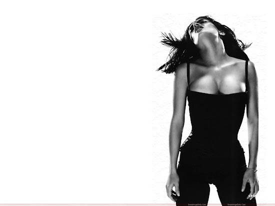 salma_hayek_hd_wallpaper_black_n_white_Fun_Hungama