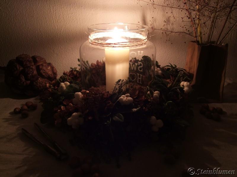 Kerzenglas mit Herbstkranz