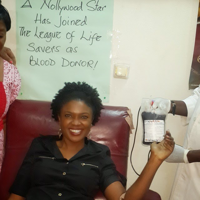 omoni oboli donates blood abuja