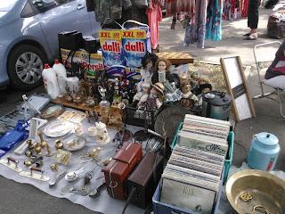 товары блошиного рынка