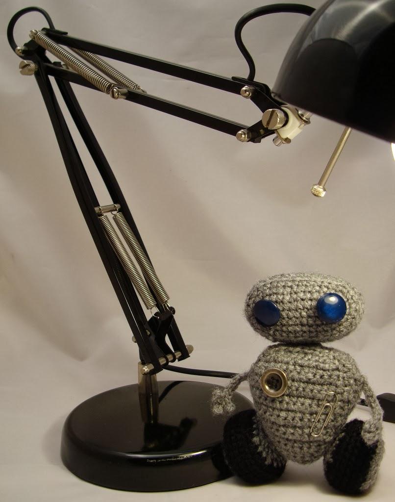 Robot Wall-e na szydełku