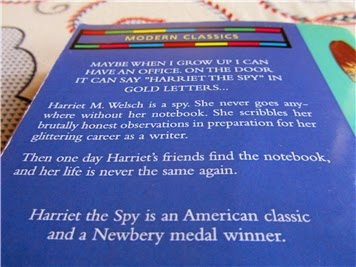Back cover of Harriet the Spy, where it says that Harriet the Spy is a Newbery winner when it's not