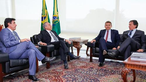 Presidente Michel Temer recebe o deputado Agenor Neto e o prefeito Aderilo Alcântara