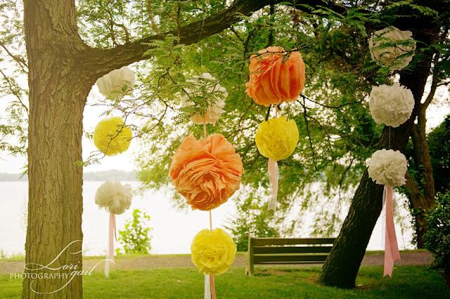 Decorar tu boda con pompones de papel