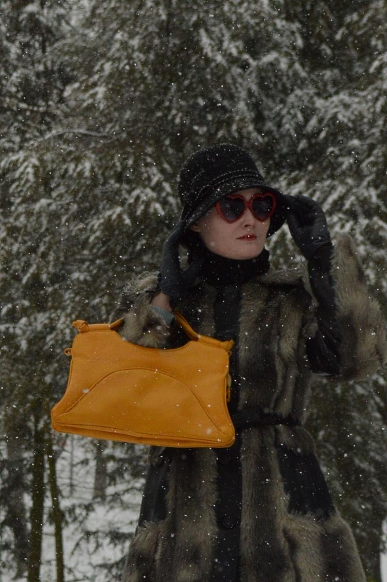 fake fur, coat, vintage, handbag, cloche hat, 1920s, 1980s, quaintrelle, georgiana, quaint, fashionista, personal style, H&M, Accessorize, Deichmann, winter outfit, ootd