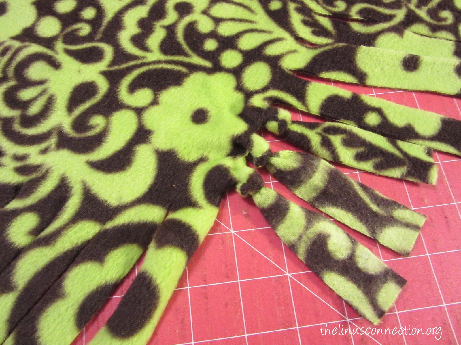 The linus connection two ways to make a single layer fleece blanket ccuart Images