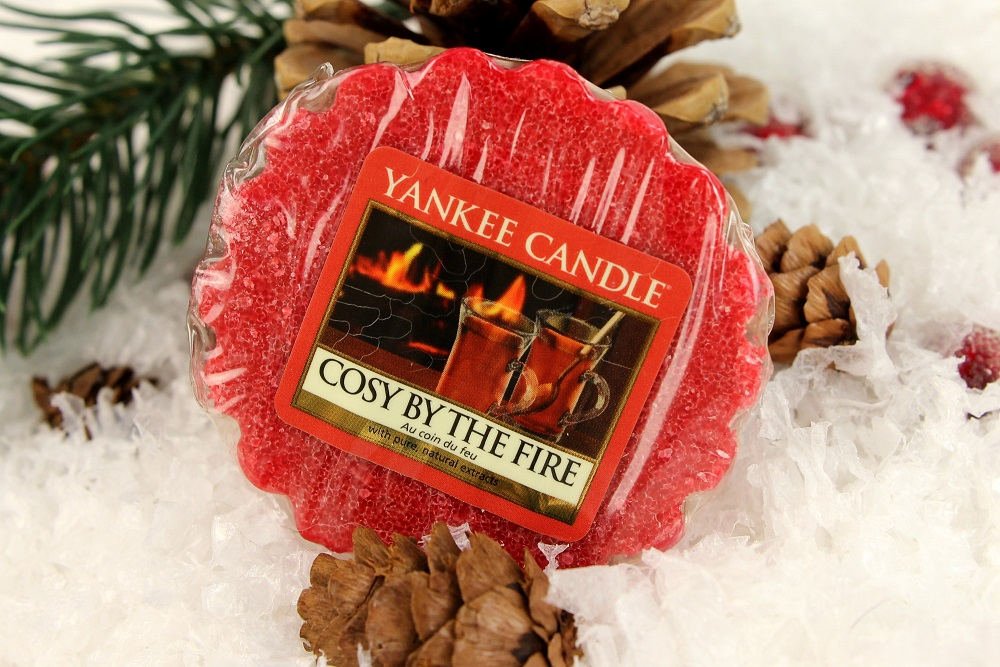 2015, baby it´s fun outside and cosy inside, Berry Trifle, bundle up, Cosy By The Fire, cosy inside, duftbeschreibung, dufttarts, review, tarts, weihnachten, winter, winter glow, yankee candle, yankee candles