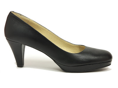 zapato clasico de salon en tono negro