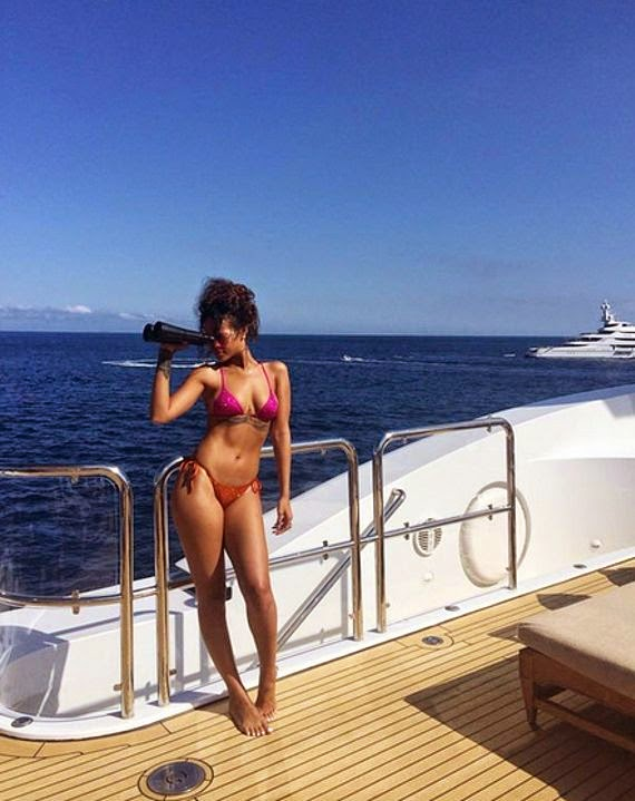 Rihanna Bare Butts In Bikini
