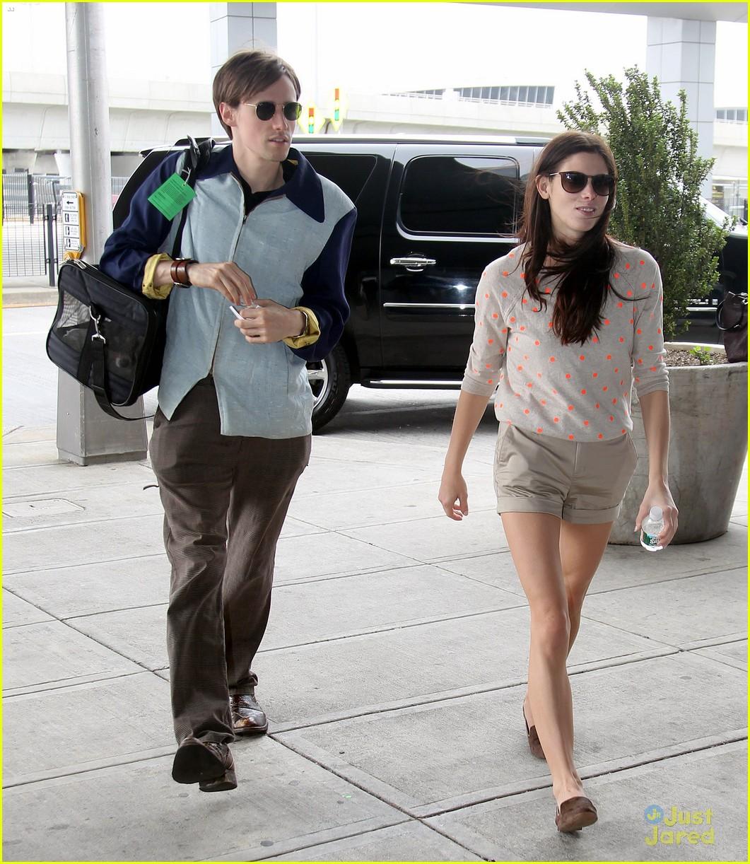 http://1.bp.blogspot.com/--Gmkc-wpDRs/T9yZC0TiiEI/AAAAAAAAUMU/44D25Q5HgnI/s1600/Ashley+Greene+Boyfriend-5.jpg