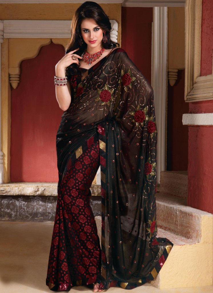 Fashion trends latest saree designs for pakistani women for Luxury clothing online