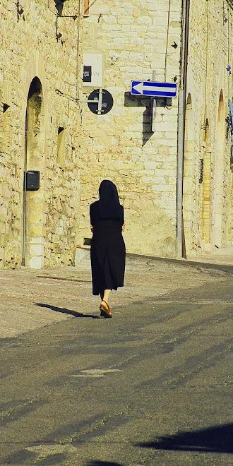 NUN ASCENDING, Assisi, 1999: Jost van Dyke