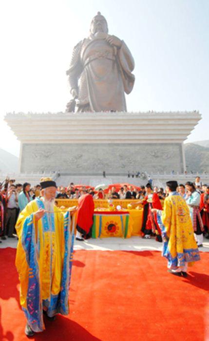พิธีกรรมการเบิกเนตรเทพเจ้ากวนอู แบบจีนแท้ ๆ