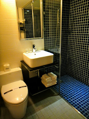 Bathroom in double bedroom at J Hotel Kaohsiung