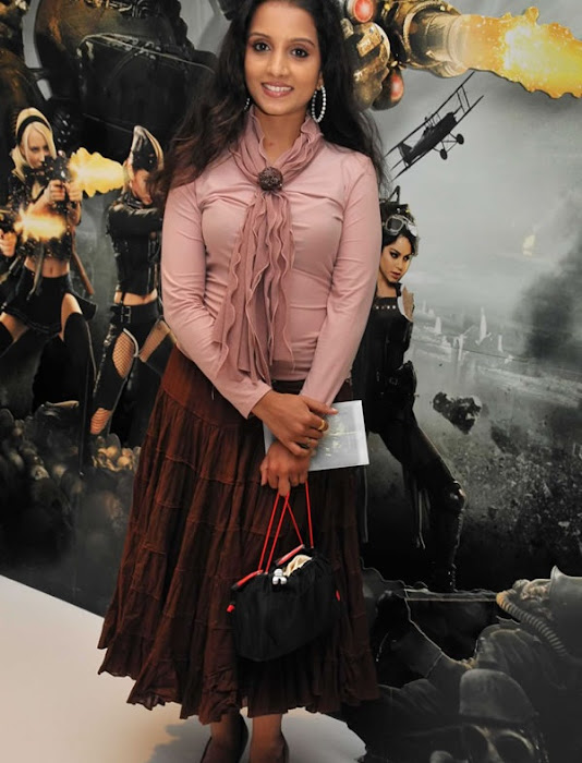 ammu tv in sucker punch hollywood movie premiere glamour  images