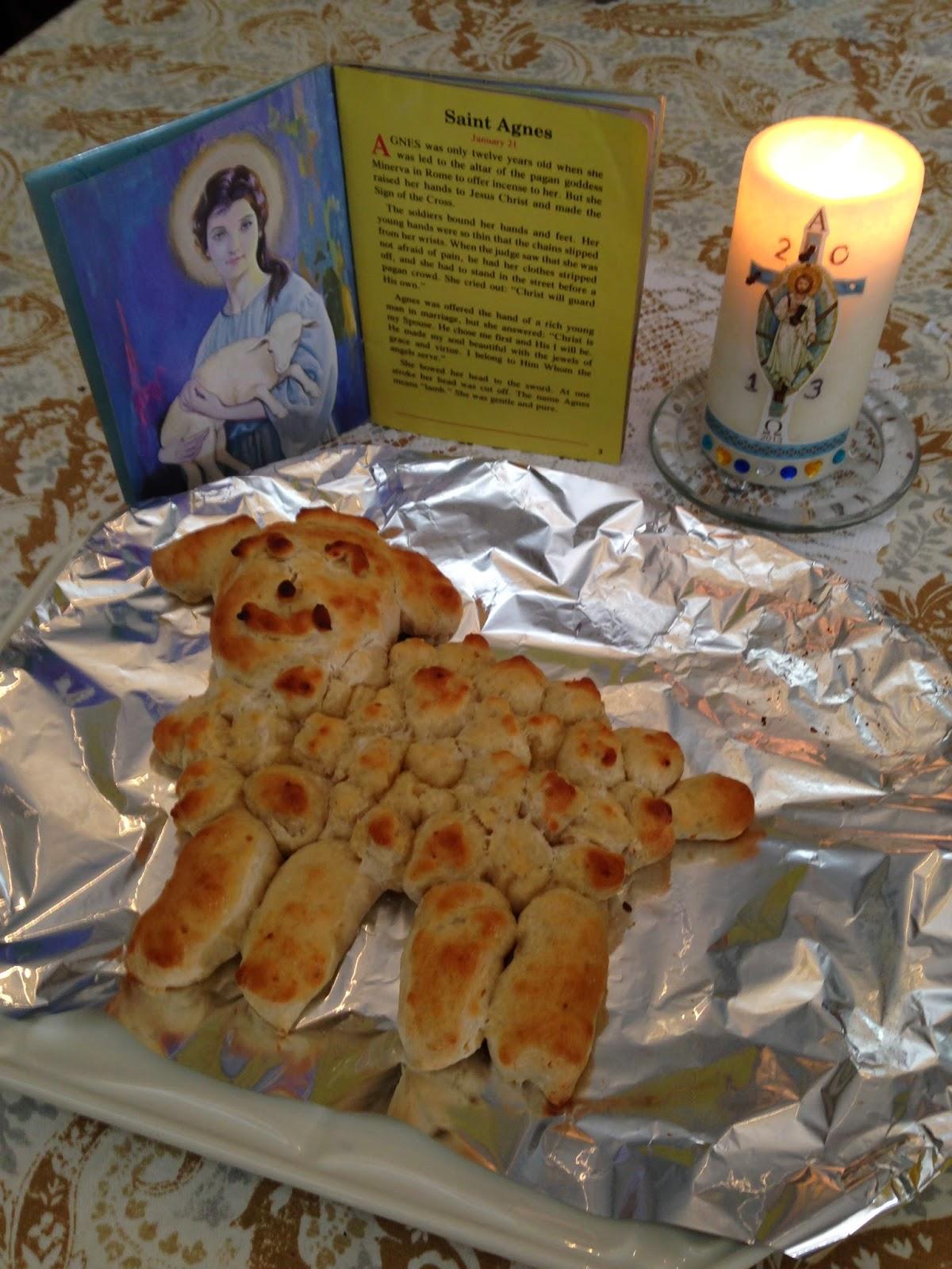 Familia Católica: Cordero hecho con masa de pan para celebrar a ...