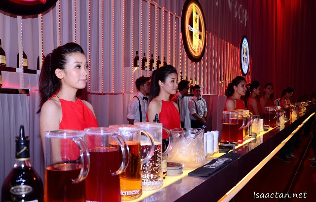 Hennessy ladies all prepared to serve us the four Hennessy mix
